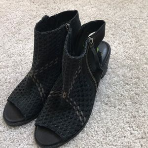 NWOT Sam Edelman Open Toe Booties
